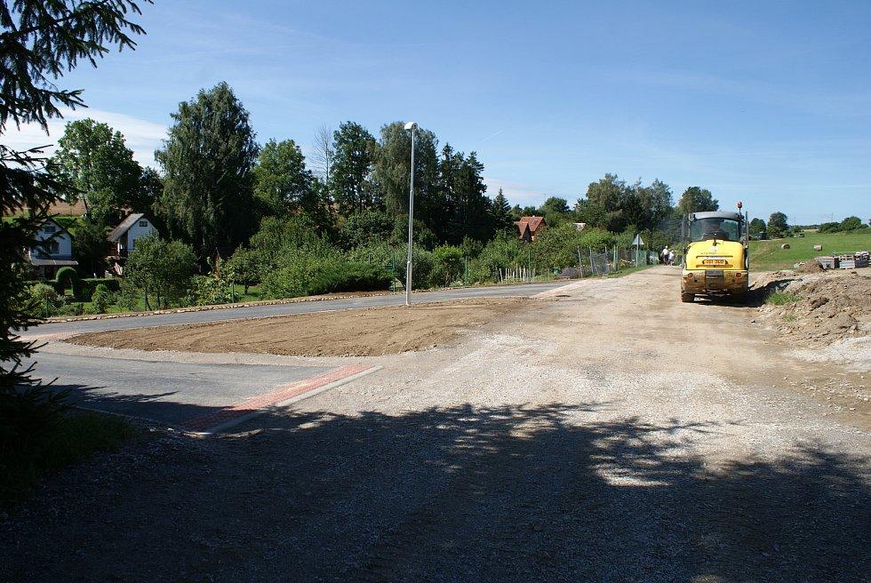Otevření nového podchodu pod E55 ve Velešíně už je na spadnutí.