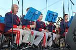 Akci v Dolní Vltavici zahájila muzikou a fanfárami rakouská dechová kapela Musikverein Aigen-Schlägl.