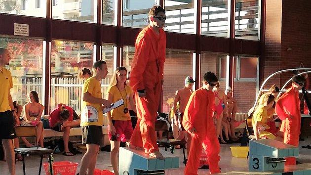 Mladí krumlovští vodní záchranáři na závodech v pražské Hostivaři