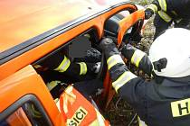 Dvě osobní auta se srazila na E 55 u Nažidel.