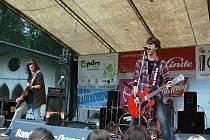 Součástí projektů Centra pro pomoc dětem a mládeži jsou i koncerty a festivaly, například Červenání.