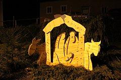 Do kostela sv. Mikuláše v Rožmberku nad Vltavou se na půlnoční sjíždějí lidé z celého okolí.