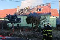 Požár poničil rodinný dům v Horní Plané tak, že je neobyvatelný.