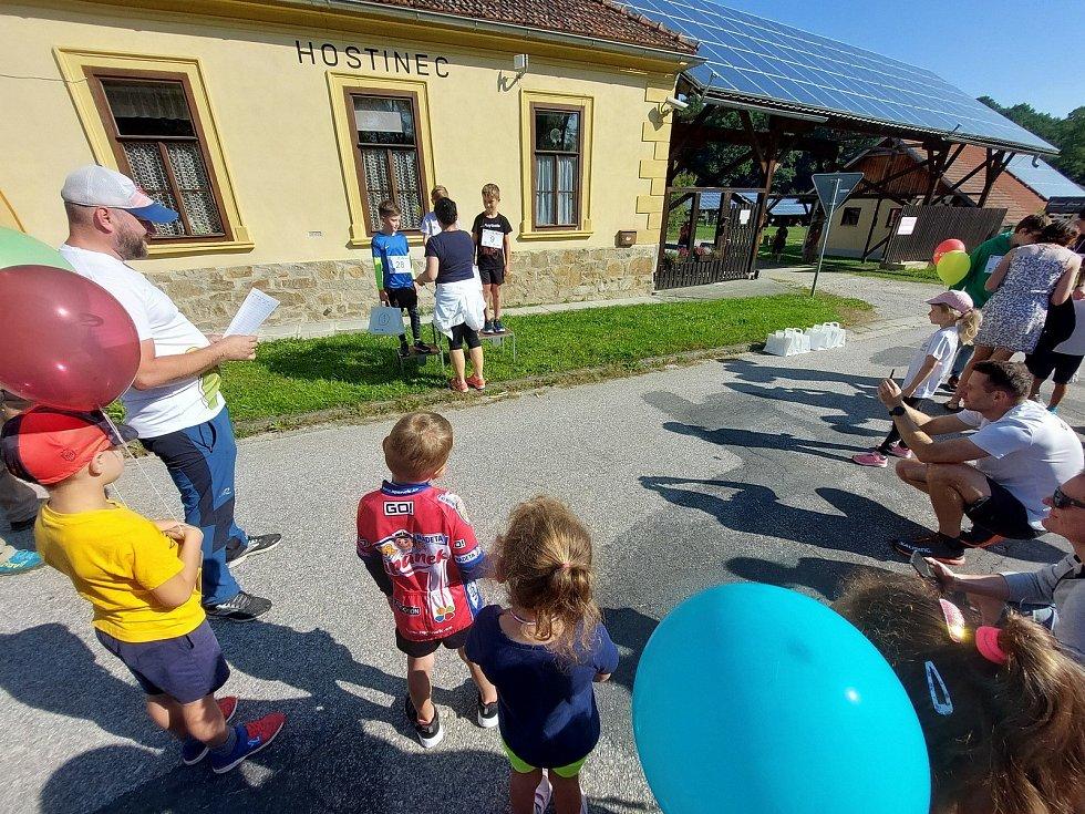 Kájovská desítka startovala v Petráškově dvoře u Kájova.