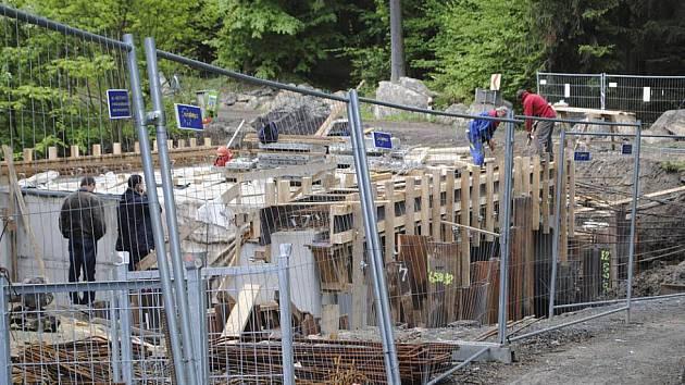 Most v Benešově je stále ještě zavřený.