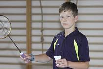 Postup do čtvrtfinále dvouhry mezi osmičku nejlepších na celostátním turnaji starších žáků je pro teprve třináctiletého Tomáše Švejdu (na snímku) úspěchem.