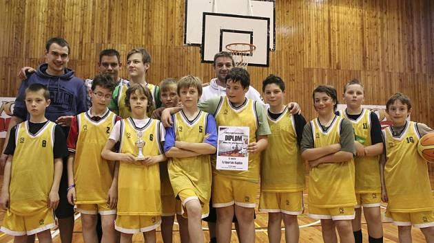 Nejmenší benjamínci pořádajícího Spartaku Kaplice sice obsadili při premiéře domácího turnaje až poslední místo, ale nasbírali spoustu zkušeností a ukázali viditelné zlepšování.