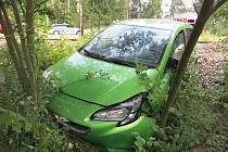 Řidič s hypoglykemickým záchvatem přejel u Herbertova trať a skončil ve srázu.
