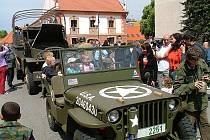 Pětašedesáté výročí od ukončení druhé světové války v Evropě se musí řádně oslavit. Program najdete na straně 11. Příští týden oslavy propuknou například ve Velešíně.