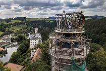 Unikátní rotační jeřáb na věži Jakobínka hradu Rožmberk.