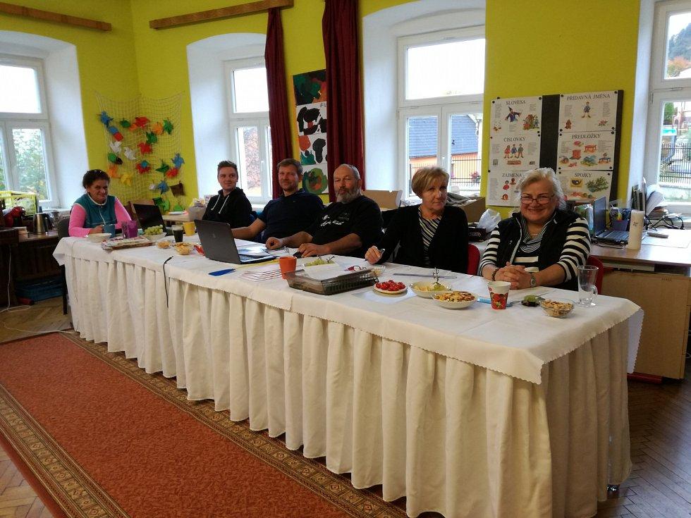 Parlamentní volby v Zubčicích.