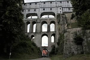 Plášťový most krumlovského zámku.