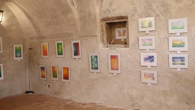 Výstava Vílí taje ve zlatokorunském klášteře.