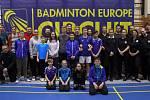 Na organizaci mezinárodního turnaje FZ FORZA Czech U17 International v Č. Krumlově se podílely více než dvě desítky pořadatelů domácího klubu SKB (na snímku).
