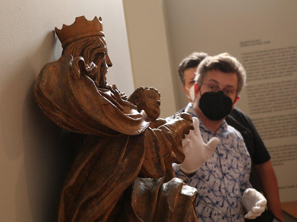 Svatomášská madona bude po necelých sedmdesáti letech zdobit kostel ve Svatém Tomáši u Přední Výtoně nedaleko Vítkova Hrádku na Českokrumlovsku.