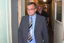 Na určitý typ soutěží je potřeba i odpovídající stadion a zázemí. To českokrumlovské si přijel prohlédnout i ministr financí Miroslav Kalousek.