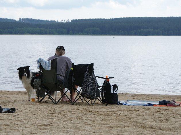 Na pláži v Horní Plané.