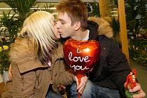 Kdo se doopravdy miluje, nepotřebuje k tomu oficiální svátek. To říkají zamilovaní a mají pravdu.