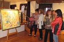 Výstava malířky Evy Chudové ve Velešíně.