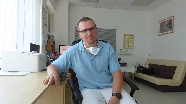 Gynekolog českokrumlovské nemocnice Ondřej Míka (na snímku).