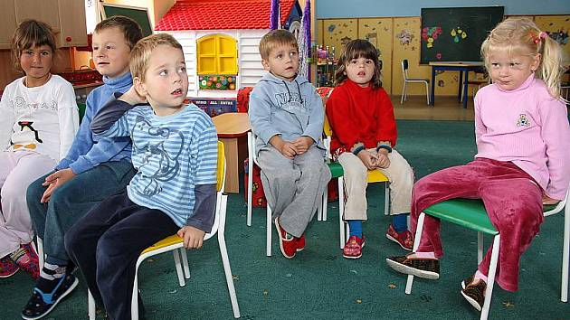 Mateřinka v objektu 0becního úřadu Přísečné zůstane i po přestěhování starosty. S rozšířením  školky se však nepočítá.