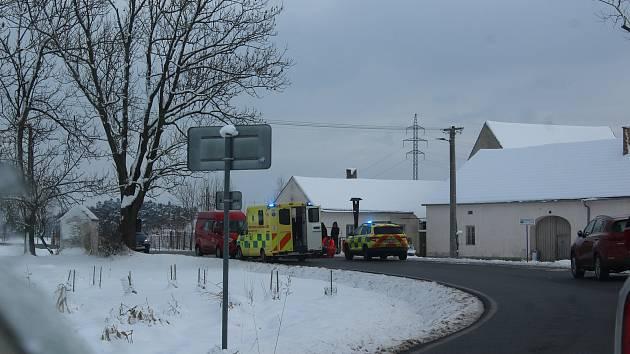 K tragédii došlo v Záhorkovicích. Na silnici zemřel muž středního věku.