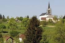 Oprava kostela ve Světlíku.