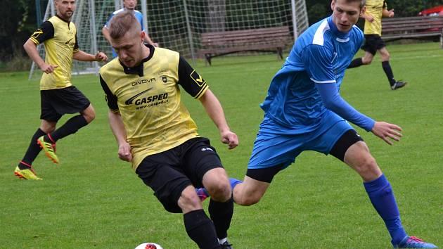 I.B třída (skupina A) – 5. kolo (4. hrané): SK Zlatá Koruna (žlutočerné dresy) – FC Šumava Frymburk 6:2 (2:1).