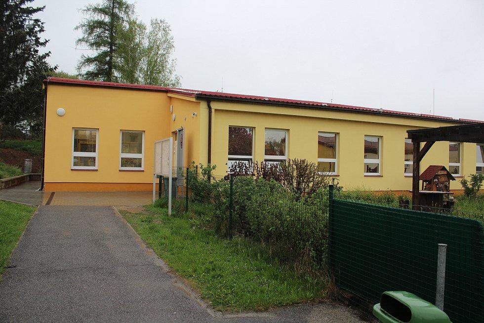 Obecní úřad v Kájově přesídlil spolu s poštou do zrekonstruované bývalé prodejny.