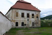 Soudní budova v areálu vyšebrodského kláštera.