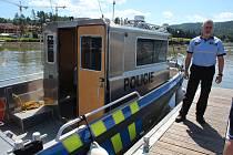 Lipenští policisté zkontrolovali lodě na lipenské přehradě.
