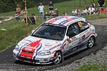 Janu Jinderlemu a Pavlu Kacerovskému nevyšel na Kopné ani druhý společný start. Předloni tady ulomili kolo, letos skončili s prasklou poloosou.