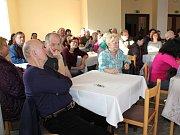 Na veřejné zasedání zastupitelstva v Kaplici do Slovanského domu přišlo četné obecenstvo.