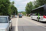 Fabia HZS JčK nehodu na Chvalšinské odnesla nejvíc, z místa ji muselo odvézt auto z hydraulickou rukou.