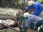 Hasiči měli při povodních plné ruce práce.