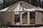 Dobrovolníci likvidovali škody v lesní školce nad Třísovem, kterou v pondělí 10. února 2020 zdemolovala vichřice Sabine.