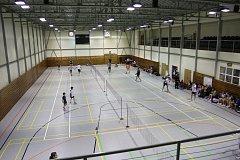 Městská sportovní hala na Chvalšinské silnici v Českém Krumlově bude o tomto víkendu žít dvěma nejvyššími soutěžemi. Sobotním šlágrem je turnaj 1. celostátní ligy sálovkářů, nedělní odpoledne zaplní badmintonová extraliga.