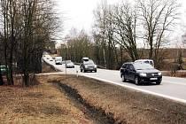 Křižovatka na prvním vjezdu od Velešína směrem od Holkova.