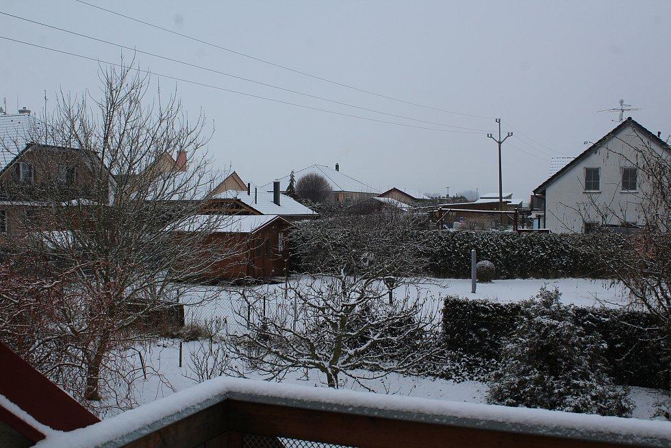 Předzvěst nové sněhové várky v Dolním Třeboníně. Podle předpovědi v příštích dnech můžeme očekávat nástup pravé zimy.