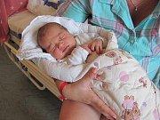 Nikola Čabelová z Vyššího Brodu se narodila Veronice a Jiřímu 13. dubna v 18:57. Nikolka vážila 3845 g a měřila 52 cm. Tatínek si porod nenechal ujít a byl své ženě velkou oporou. Sestřičku s radostí přivítala Verunka (6), která se těšila na roli chůvy.