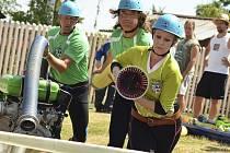 Mužský holubovský tým postrádá soudržnost jako v minulých letech. V sobotu jim dokonce musela vypomoci Zuzana Svitáková, holubovská hasička, která zvládla záskok na výbornou. Za předvedený košík by se nemusel stydět leckterý špičkový košař.
