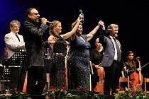 Večer Broadway meets Broadway na festivalu v Pivovarské zahradě v Českém Krumlově.