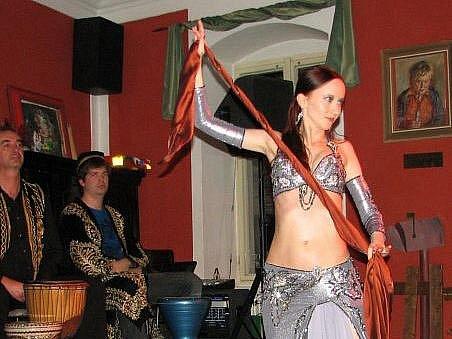 Na večeru tančila například Khalida.