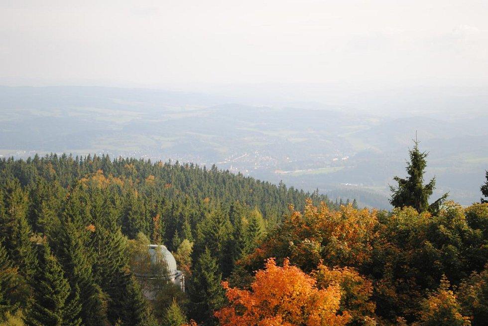 Náměty fotografií  může krajina, významné turistické cíle i příroda, jen se musí vztahovat k Blanskému lesu.