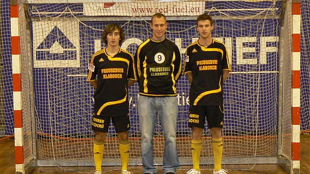Pocty bojovat o pozvánku do reprezentace České republiky do 21 let se dostalo triu větřínských mladíků Ladislav Kuzma, Rudolf Weinhard a Milan Homer (na snímku zleva).