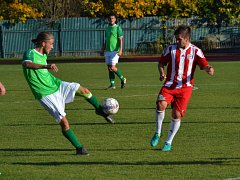 Ondrášovka KP muži – 10. kolo: FK Slavoj Český Krumlov (zelené dresy) – TJ Blatná 0:2 (0:1).