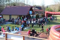 Chlumský biatlon pod Kletí 2019 na Cihelně se konal pod heslem Monoski pro Pepču.
