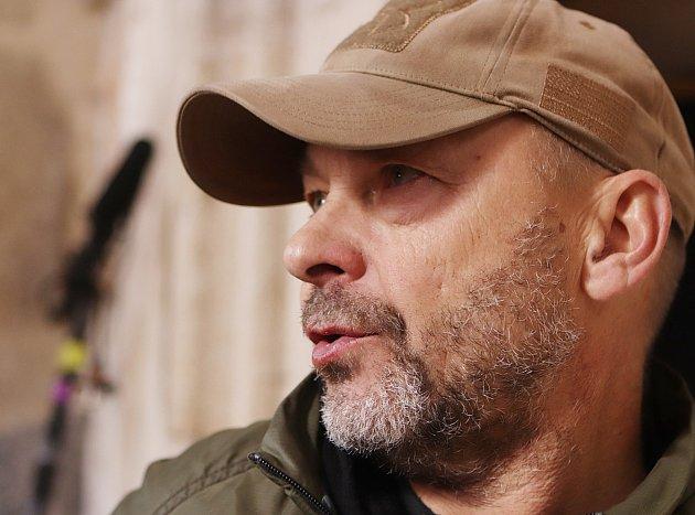Natáčení filmu Nabarvené ptáče,který režíruje Václav Marhoul,ve vojenském újezdu Boletice uČeského Krumlova