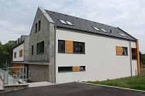 V Dolním Dvořišti se nebojí postavit originální moderní vesnické bydlení.