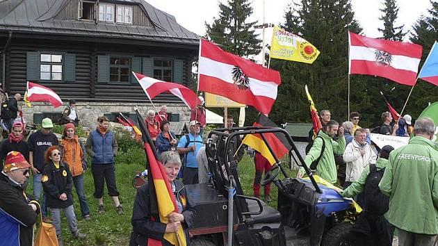 Odpůrci jaderné energie z Čech, Rakouska a Německa se sešli na mítinku na Kleti.